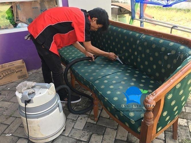 cuci sofa yogyakarta